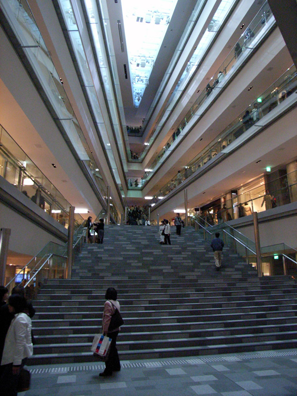 OMOTESANDO HILLS(表参道ヒルズ)