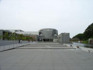 立派な外観:東北歴史博物館にいく