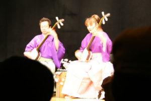 まんじ愛華さんとお弟子さん:津軽三味線会館で演奏を聴く_青森県の旅