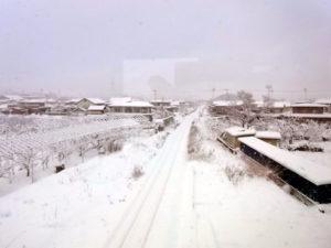 山形は雪景色:山形新幹線(東北新幹線)から富士山を望む