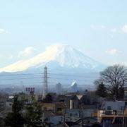 富士山が見えた:山形新幹線(東北新幹線)から富士山を望む