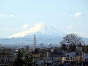 山形新幹線(東北新幹線)から富士山を望む