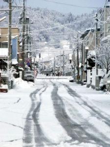 昨夜は雪が降り続いた:東北地方太平洋沖地震(東日本大震災)の翌朝