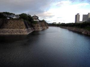 大阪城の外堀:大阪城へ行く