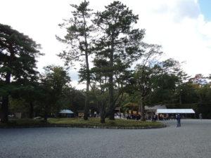 外宮の参道入り口:伊勢神宮を参拝する