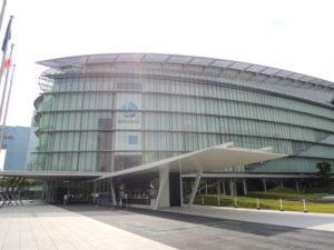 日本科学未来館の外観:日本科学未来館を見学する