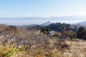 行く途中で見た蔵王連峰:県民の森から白鷹山に登る - 2014年11月