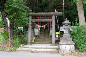 千歳稲荷神社参道入り口:山形市、千歳山を散策 - 2015年8月