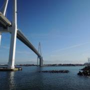 富山新港に架かる新湊大橋